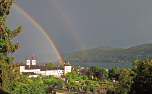 Blick vom Turm auf Regenbogen